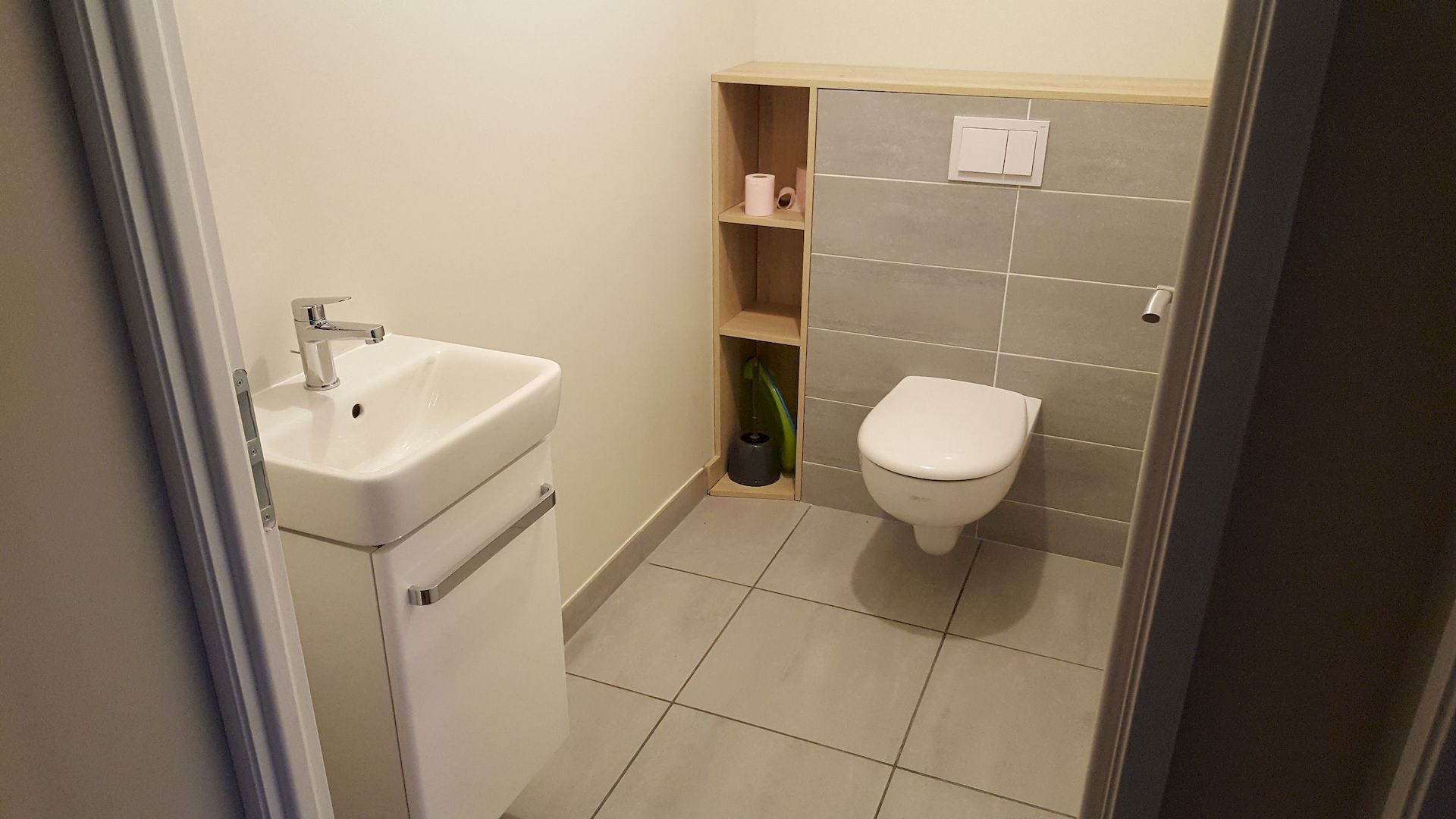 Pose de WC suspendu et d'un lave-main